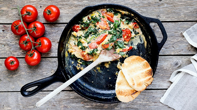 Scrambled Eggs with Tomatoes, Spinach and Boursin Cheese
