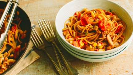 Whole Wheat Spaghetti with Tomato Mushroom Sauce