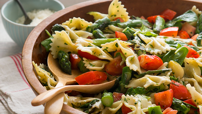Backyard Farms Pasta Salad With Tomatoes, Spinach and Asparagus